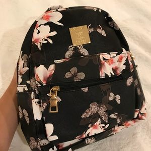 SALE💖 NWOT Black Floral Butterfly Mini Backpack